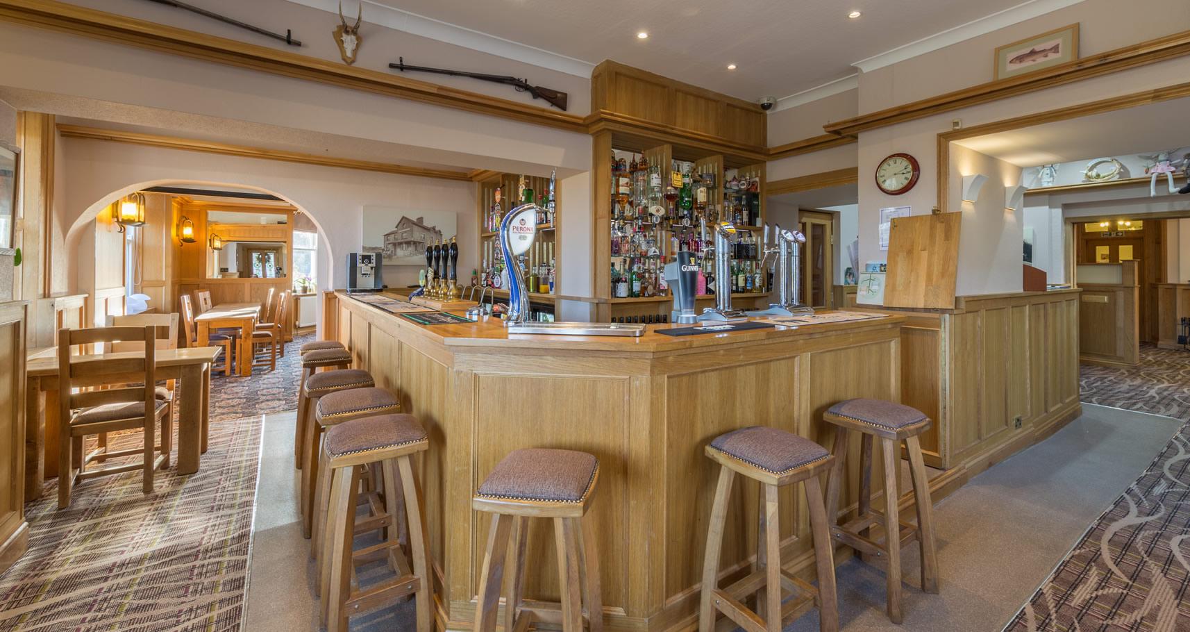 bar-entrance-view